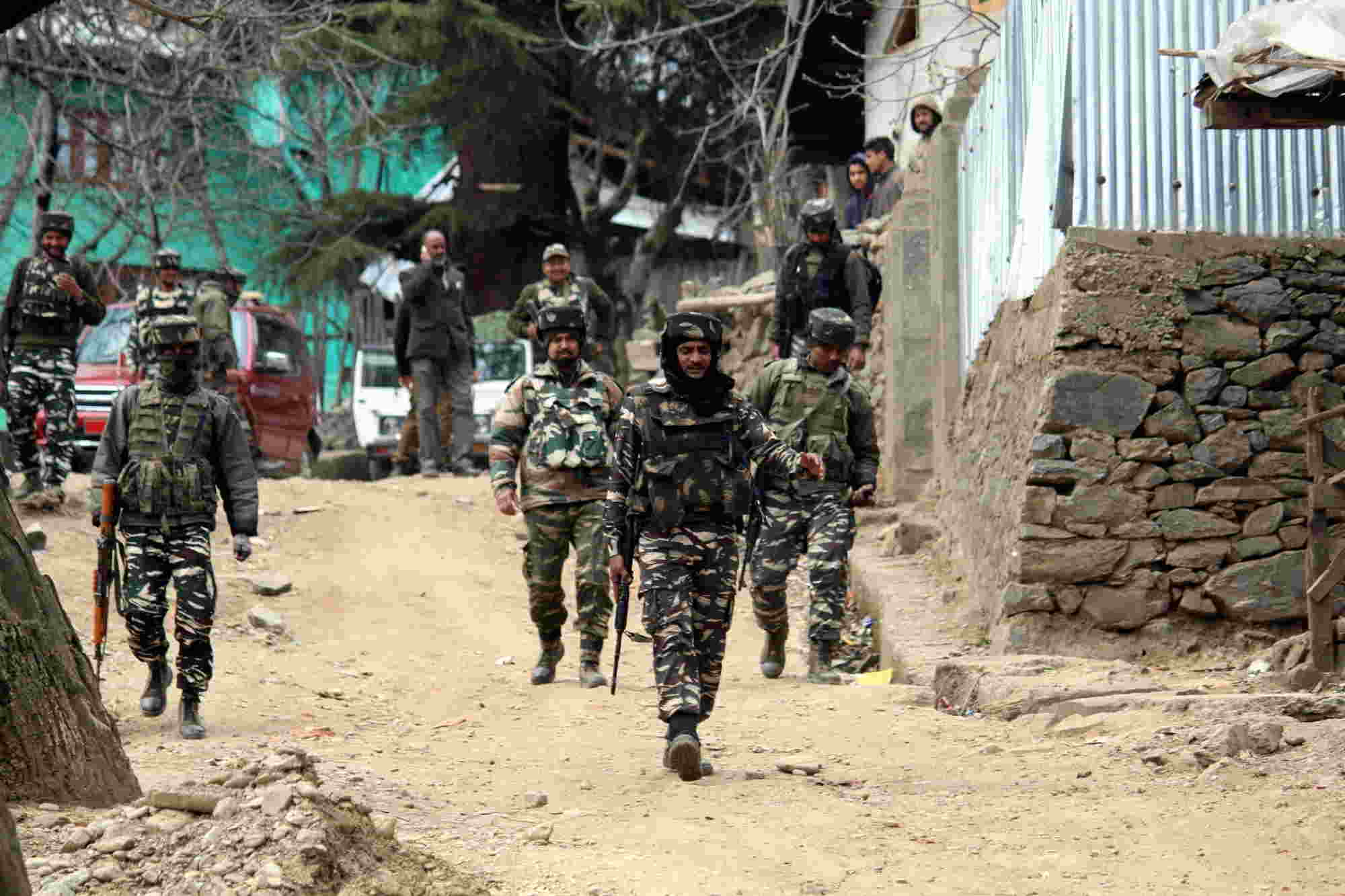 The ISI operatives, the Pakistani army and some militant commanders are now known to have deposited cash in different bank accounts of certain Nepal-based traders including jewellers and shopping mall owners. The Nepal businessmen through their couriers have been engaging youths in the villages of Bihar and Uttar Pradesh, bordering Nepal, and passing to them cash between Rs 2-5 lakh in the Indian currency