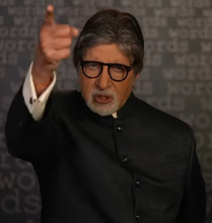 In his post on Twitter, Amitabh Bachchan urges people to unite and fight against Covid-19