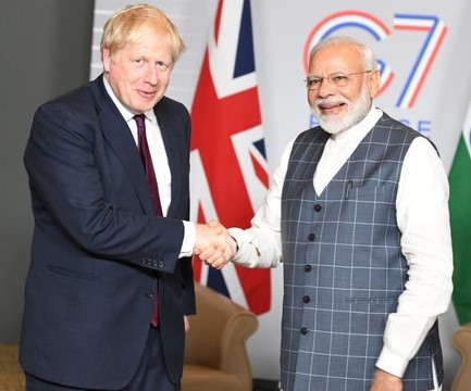 Boris_Johnson_and_Narendra_Modi1_Twitter_@_narendramodi.jpg