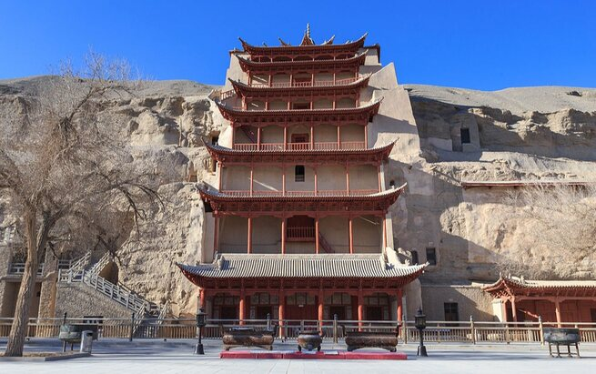 The Mogao Caves or the Thousand Buddha Grottoes or Caves of the Thousand Buddhas in the bone-dry Gobi Desert, arguably preserve the best specimens of Serendian art (Pic: Courtesy Wikimedia Commons)