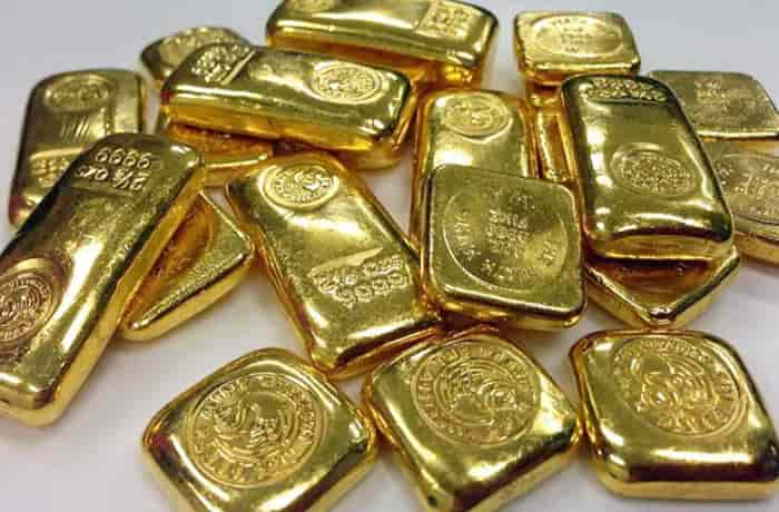The Customs Department arrested four employees of Indigo and Spicejet airlines among seven others for allegedly smuggling gold (Pic: Courtesy Twitter/@NDTV)
