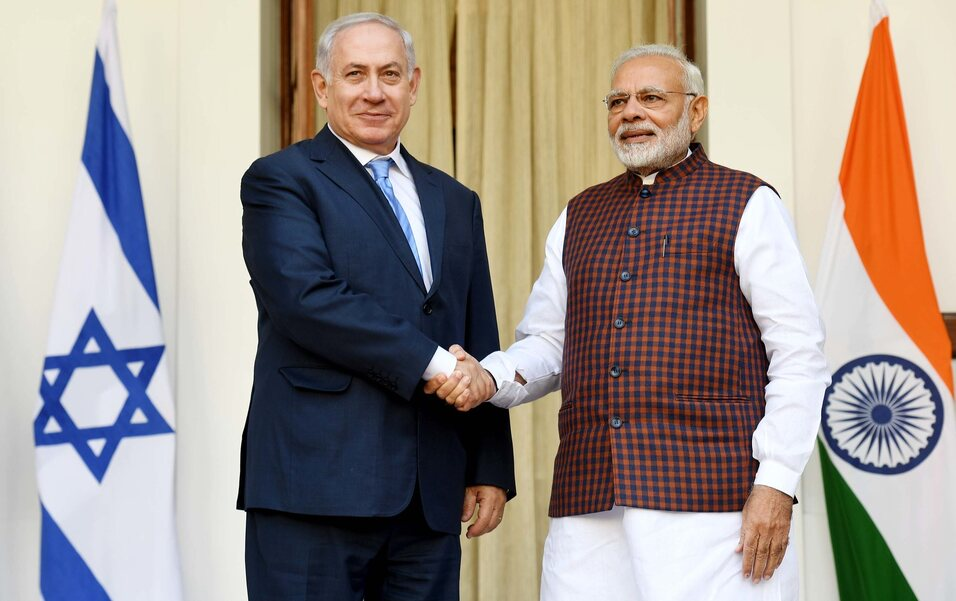 Israeli_PM_Benjamin_Netanyahu_and_Indian_PM_Modi1_@IsraeliPM.jpg