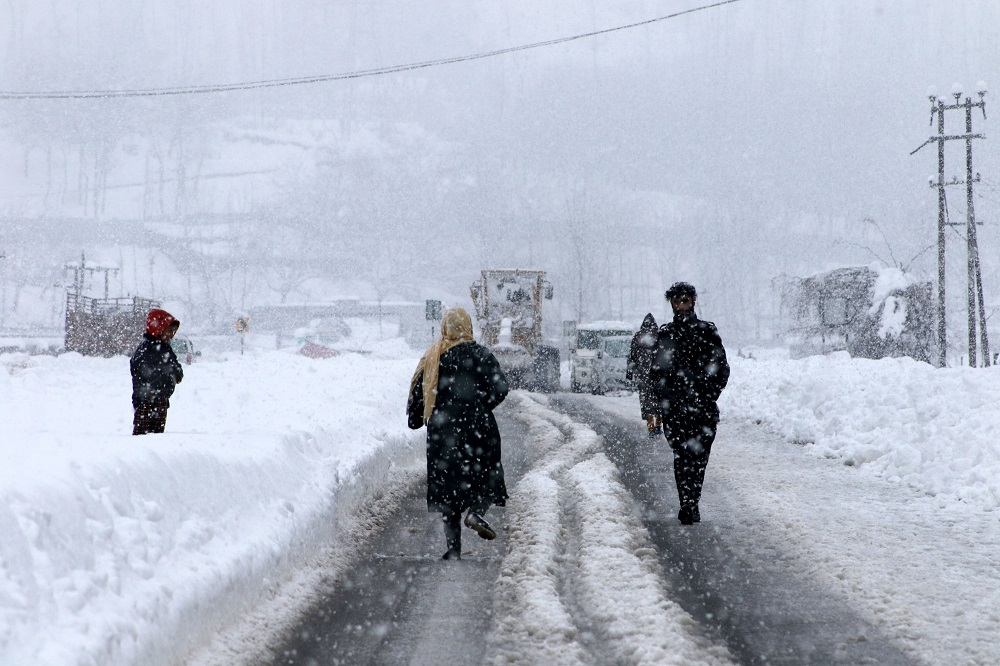 J&K government declares 'heavy snowfall' as natural calamity under SDRF