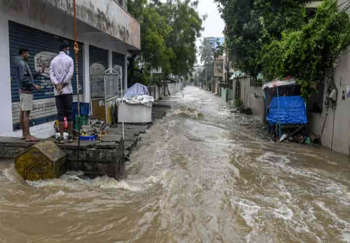 The death toll in the Maharashtra floods, caused by torrential rains, rose to 138 on Saturday (Pic: Courtesy Al  Jazeera)
