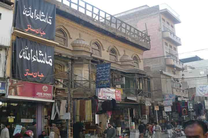 Peshawar's Qissa Khwani Bazaar is one of those urban oases which sidestep progress in favour of romance (Pic: Courtesy Wikimedia commons)