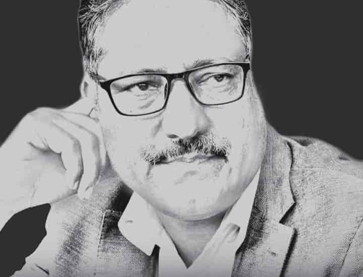 The Jammu and Kashmir Police claimed to have busted a dreaded terror syndicate indulging in vilification and character assassination of Kashmir-based journalists and civil society members like senior journalist Shujaat Bukhari and advocate Babar Qadri who were subsequently shot dead in two separate terrorist attacks in Srinagar (Pic: Courtesy bbc.com)