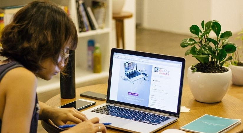More women need to join the internet revolution (Photo: IANS)