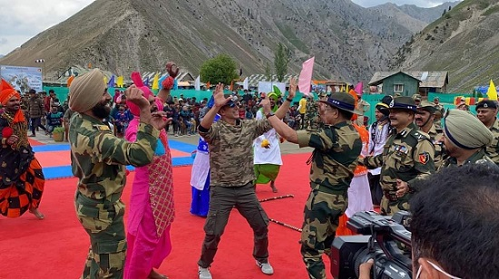 Actor Akshay Kumar in remote Tulail village along the Line of Control (LoC) in Jammu and Kashmir's Bandipora district, earlier this week