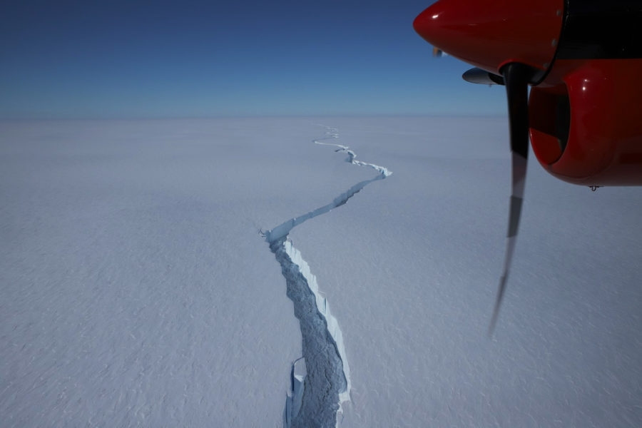 North Rift is the third major crack through the ice shelf to become active in the last decade