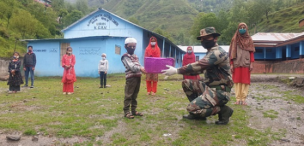 Indian soldiers celebrate Eid with the locals in Jammu and Kashmir (All images courtesy: Indian Army, BSF, CRPF)
